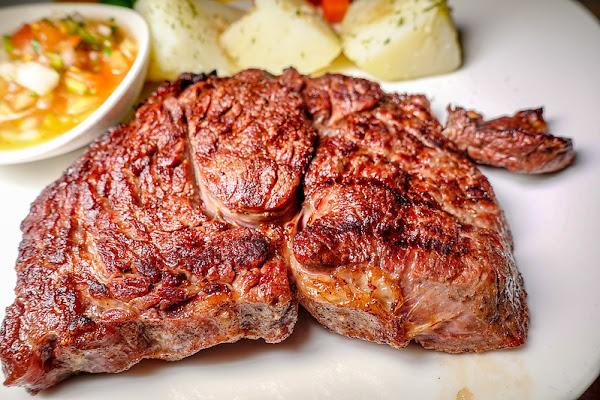 亨利客原味炭烤牛排│六張犁美食│平價吃Prime美牛牛排的好地方
