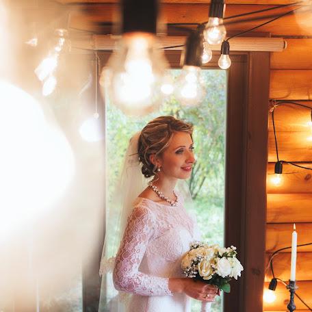 Wedding photographer Vladislav Polozhay (polozhay). Photo of 24.10.2016