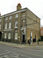 Photo: 11 St Andrew's Street, Hertford in 2008. Copyright G. Beccaloni.