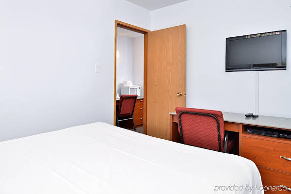 Canadas Best Value Inn & Suites - Lethbridge