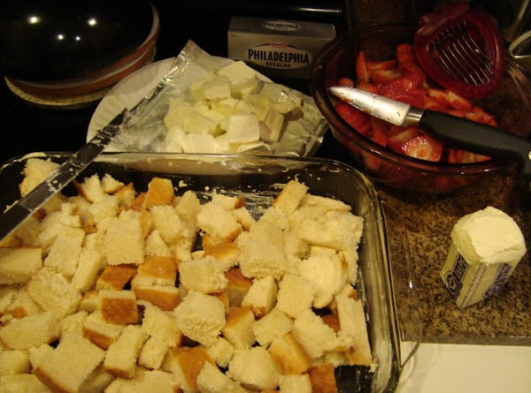 Cut 6 slices of the Texas Toast into cubes and arrange in the bottom...