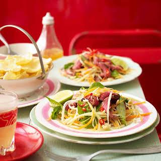 Cây Tre's Beef and Green Papaya Salad.