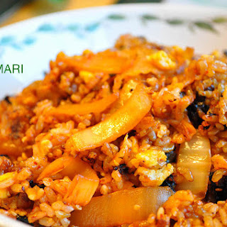 Kimchi Fried Rice (김치볶음밥 Kimchi Bokkeum Bap).