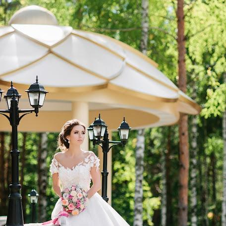 Wedding photographer Olga Bulgakova (OBulga). Photo of 09.02.2018