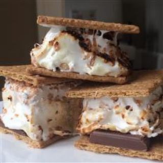 S'mores with Homemade Toasted Coconut Marshmallows (-)