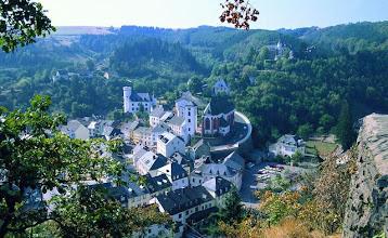 Photo: Blick auf Neuerburg  © Eifel Tourismus GmbH