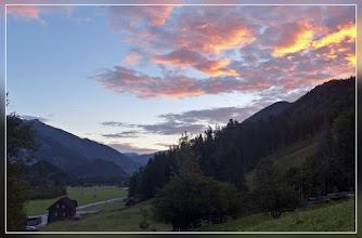 Photo: Pünktlich zum Sonnenaufgang starte ich am Bärenalmparkplatz (Tagesgebühr 3,-- EUR)