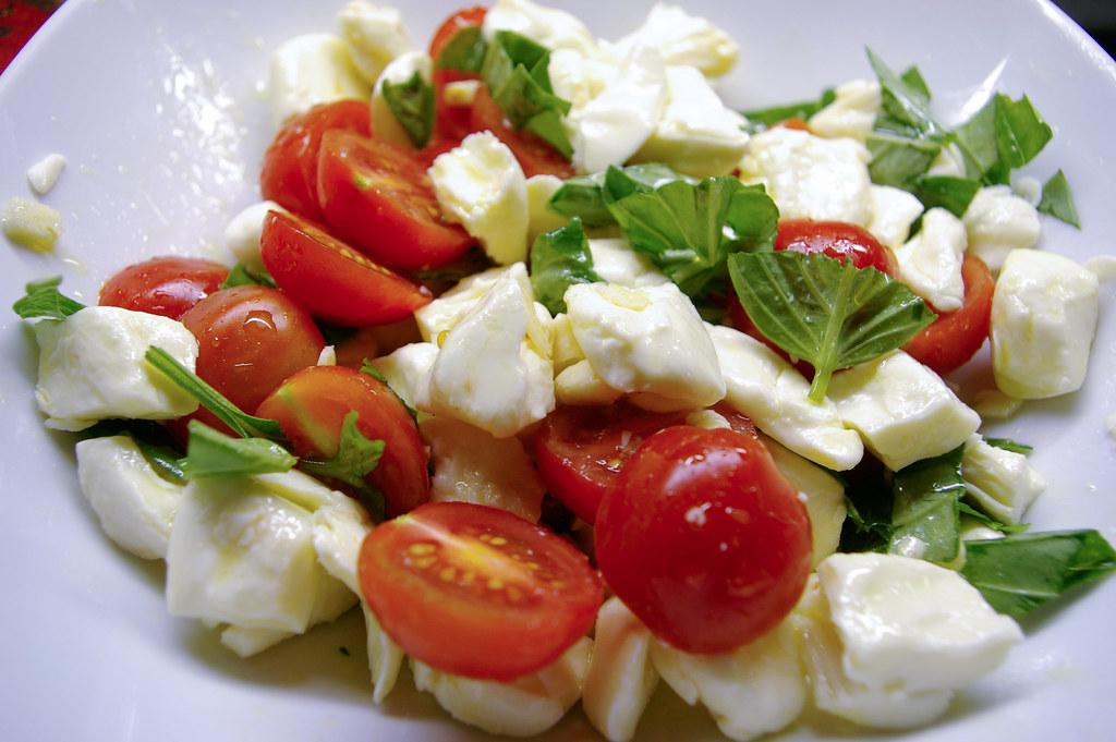 Salade de tomates et fromage en grain / Tomatoes and chees… | Flickr