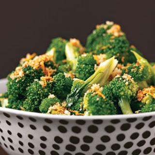 Broccoli with Lemon Crumbs