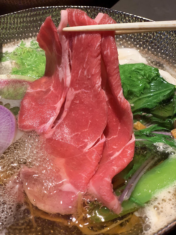 【至高グルメ】肉も美味いが希少キノコも食べ放題なしゃぶしゃぶ人気店 / しゃぶしゃぶ れたす 中目黒本店