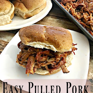 Easy Pulled Pork Sandwich Recipe {Crock Pot Recipes)