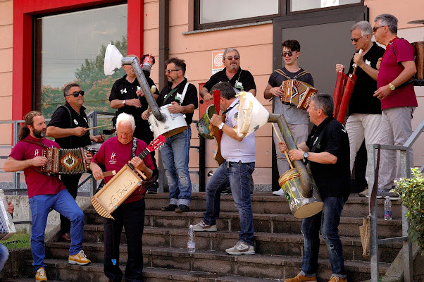La Tribù di Farindola in concerto sull'autostrada di benny48