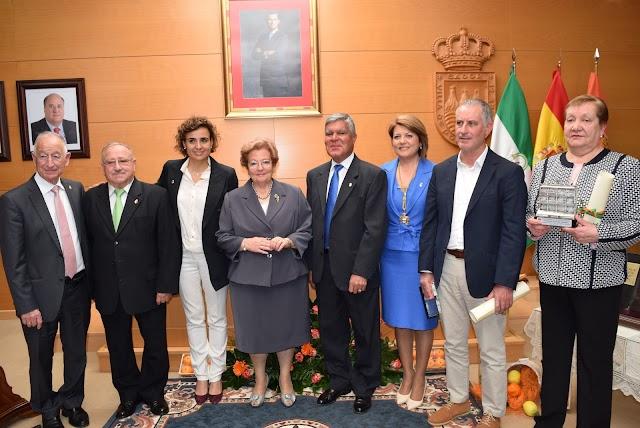 Entrega de distinciones a los Jueces de Paz y Encargados del Registro Civil de Gádor.