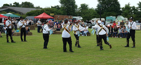 Photo: HELSINKI MORRISERS START WITH A COTSWOLD DANCE
