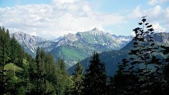 Aussicht vom Weg Zipfelsalpe Hinterstein zum Hochvogel Allgäu