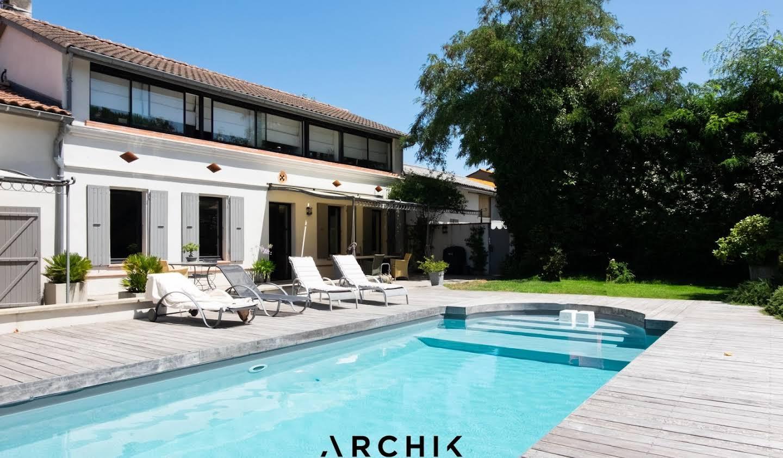 Maison avec piscine et terrasse Cugnaux