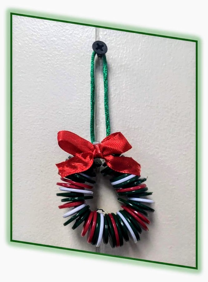 mini wreath made of buttons and string craft project