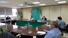 La Junta de Andalucía y el sector agrario de frutas y hortalizas de Almería han acordado hoy, por unanimidad, exigir al Gobierno de España más control