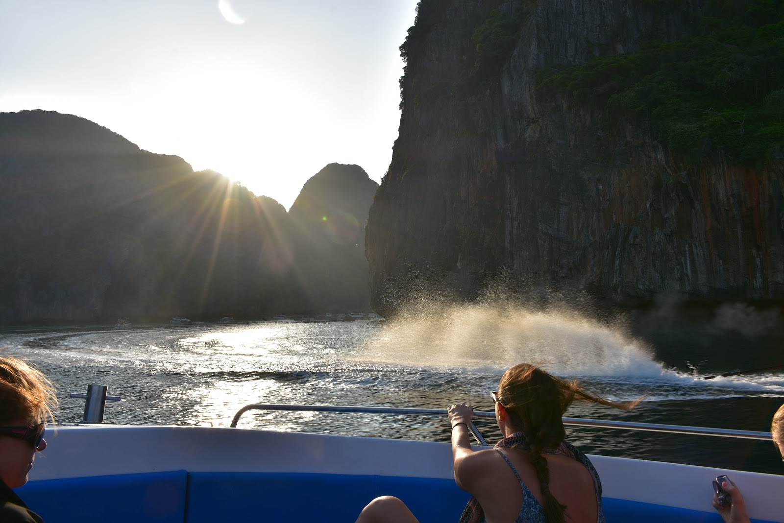 Early Bird Phi Phi Island & 4 Islands Speed Boat Tour by Sea Eagle