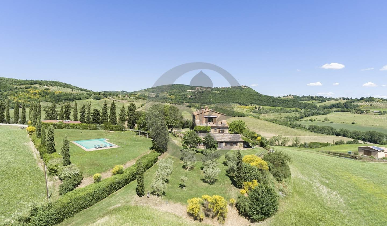 Corps de ferme avec jardin et piscine Montepulciano