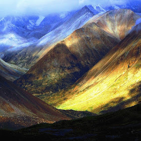 by Chakrabarty Oiiupuyu - Landscapes Mountains & Hills