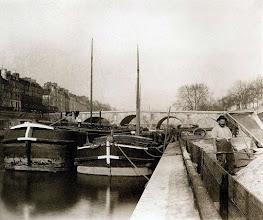 Photo: Quai des Célestins et île Saint- Louis ( 4 arr) , 1903 .- EUGÈNE ATGET