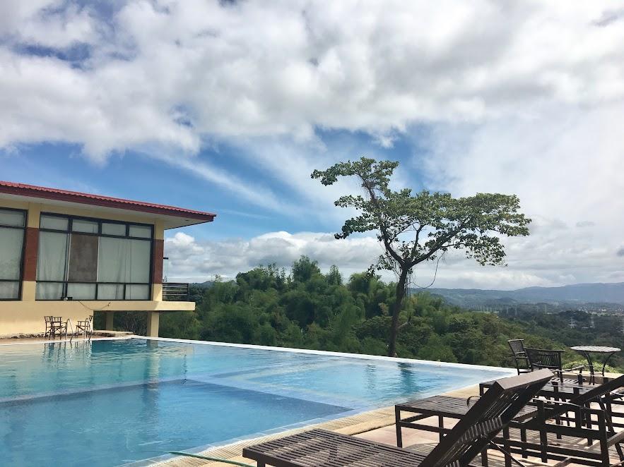 Affordable Long Weekend Destinations Near Manila - Punta de Fabian