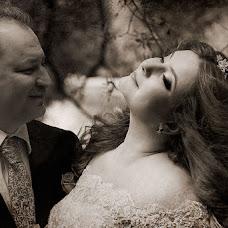 Wedding photographer Vladimir Revik (Revic). Photo of 27.10.2014
