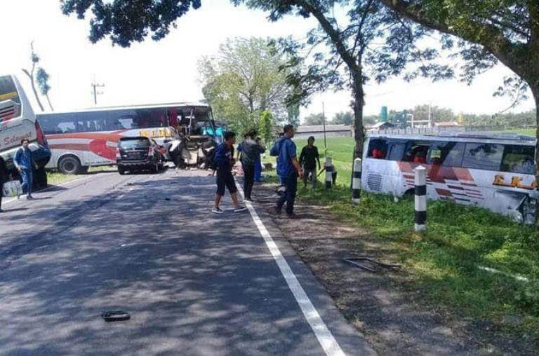 Kecelakaan Bus di Ngawi