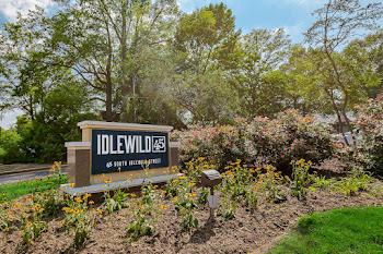 Go to Idlewild 45 Apartments website