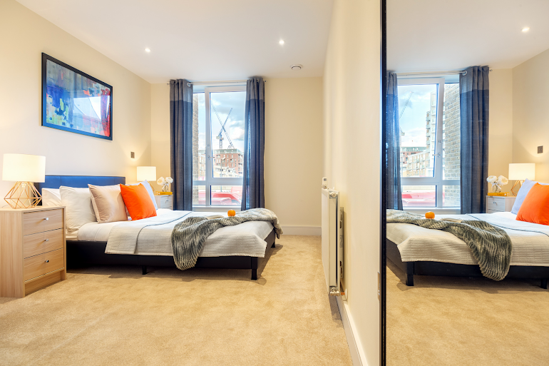 Bedroom at Canary Gateway Apartments, Canary Wharf