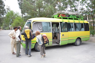 Photo: Notre bus a eu un accident !