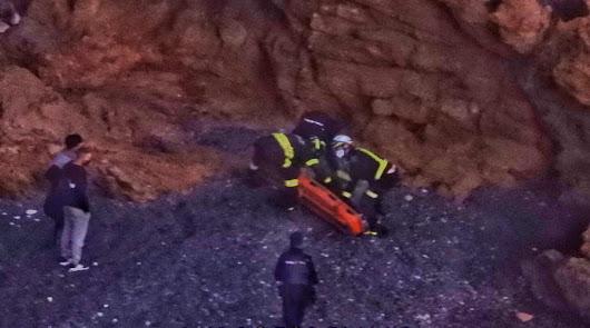 Rescatan a un joven tras caerse por un acantilado en Bayyana
