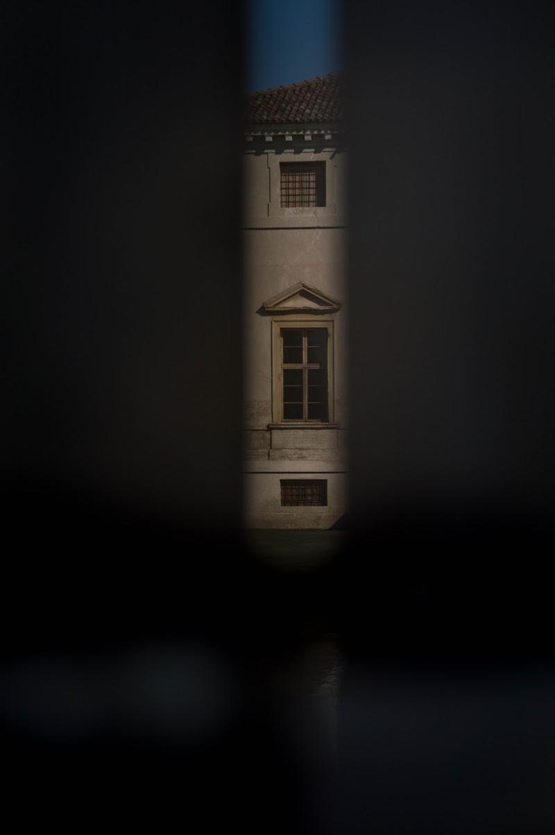 una finestra dalla finestra di coriele_francesca