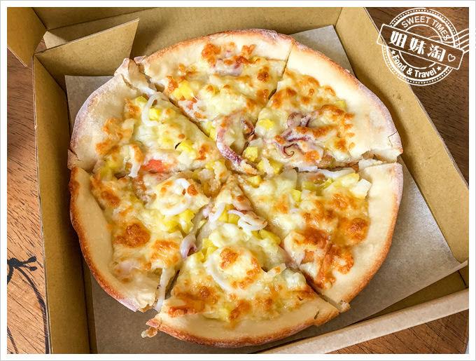 熟成台灣漬物披薩外帶專門店有點像夏威夷披薩