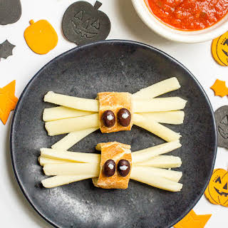 Healthy Halloween spider snacks.