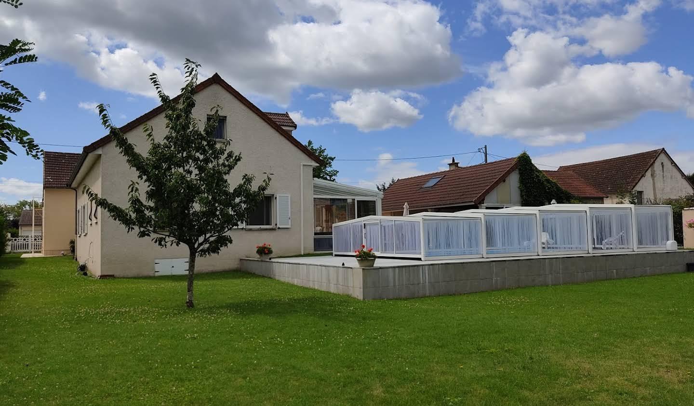 Maison avec piscine et terrasse Saint-Rémy-en-Rollat