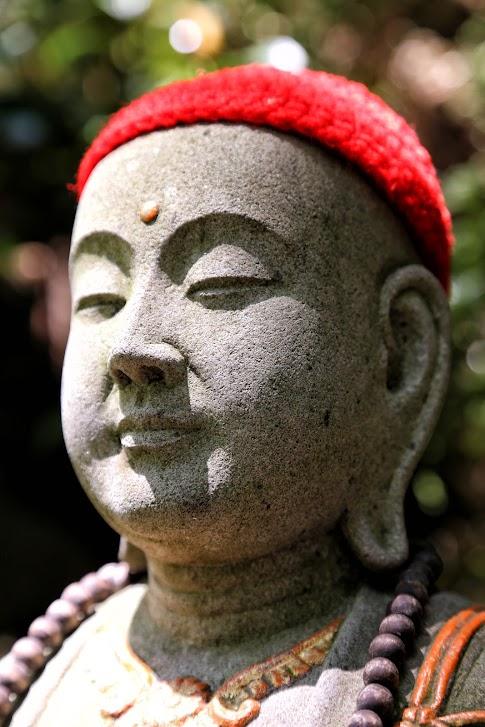 Sasaguri i leżący Budda