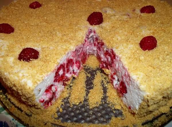 Fluffy Raspberry Torte