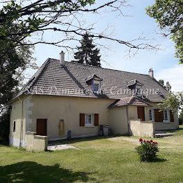 maison à Saint-Bouize (18)