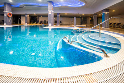 Piscina interior y Spa