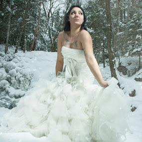 by Eric Bureau - People Fashion ( winter, jessica, wedding, photoshoot )