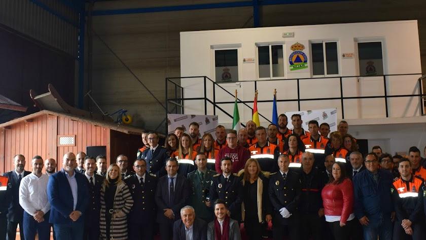 LaLa  Agrupación de Protección Civil y autoridades, en la sede de la Granatilla.