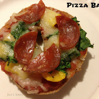 Bagel Pizzas Recipe #15MinuteSuppers.