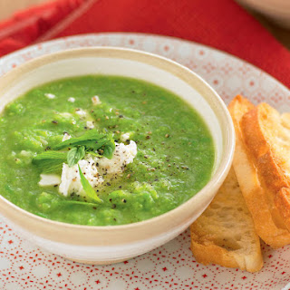 Pea Soup with Garlic Toast