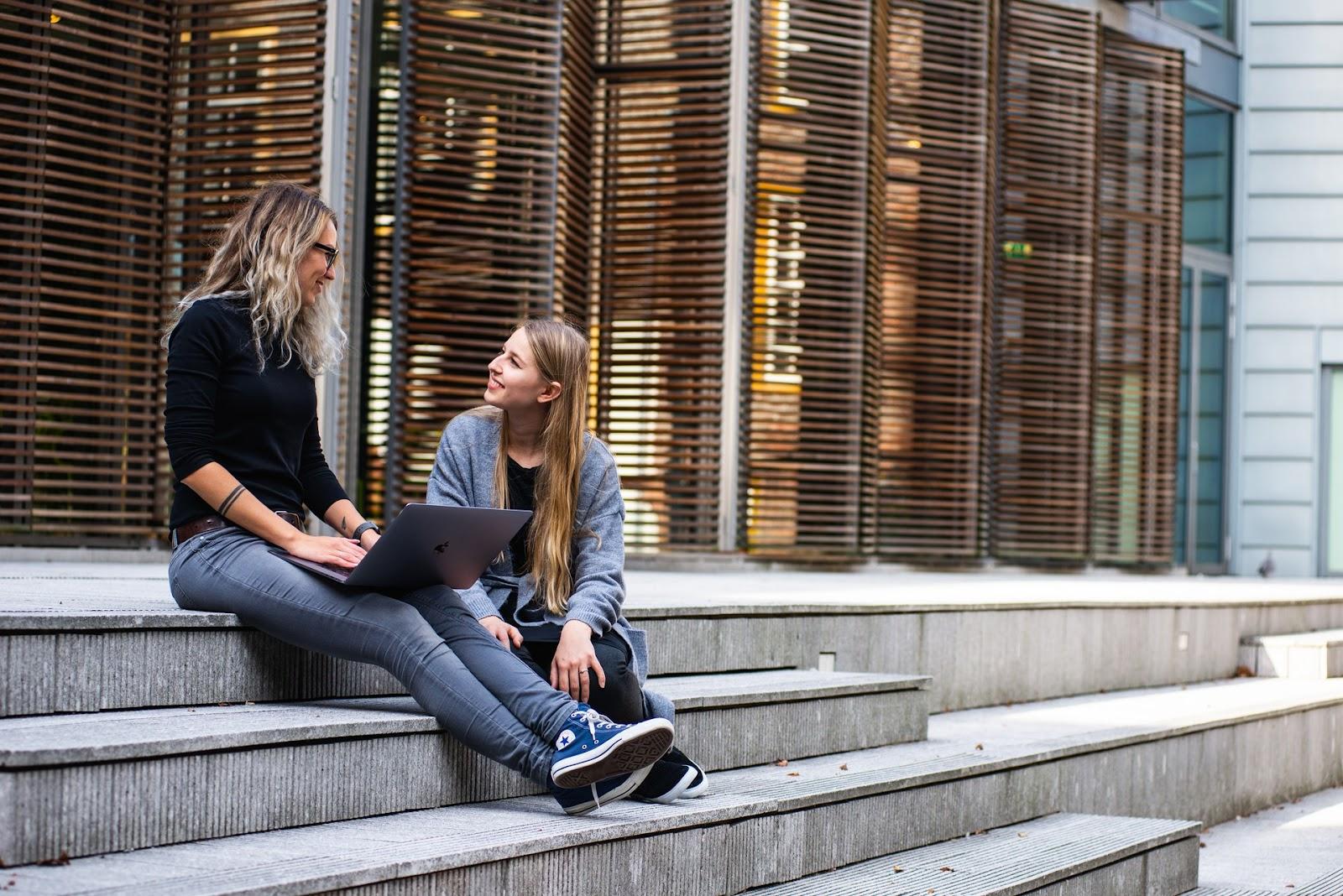 Die Studienformen: Vollzeit, Teilzeit, Dual & Fernstudium