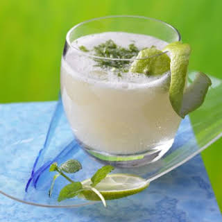 Lime and Ginger Cocktail.