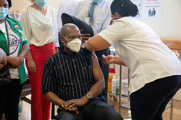 SA health minister Dr Zweli Mkhize receives his Covid-19 vaccination on Wednesday afternoon. A few hours later, Mkhize reported that 2,320 new infections were recorded across SA at a positivity rate of 6.55%