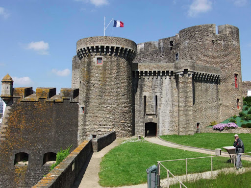 TheChâteau de Brestis acastleinBrest,Finistère, France, that's still used today as a military fortress.