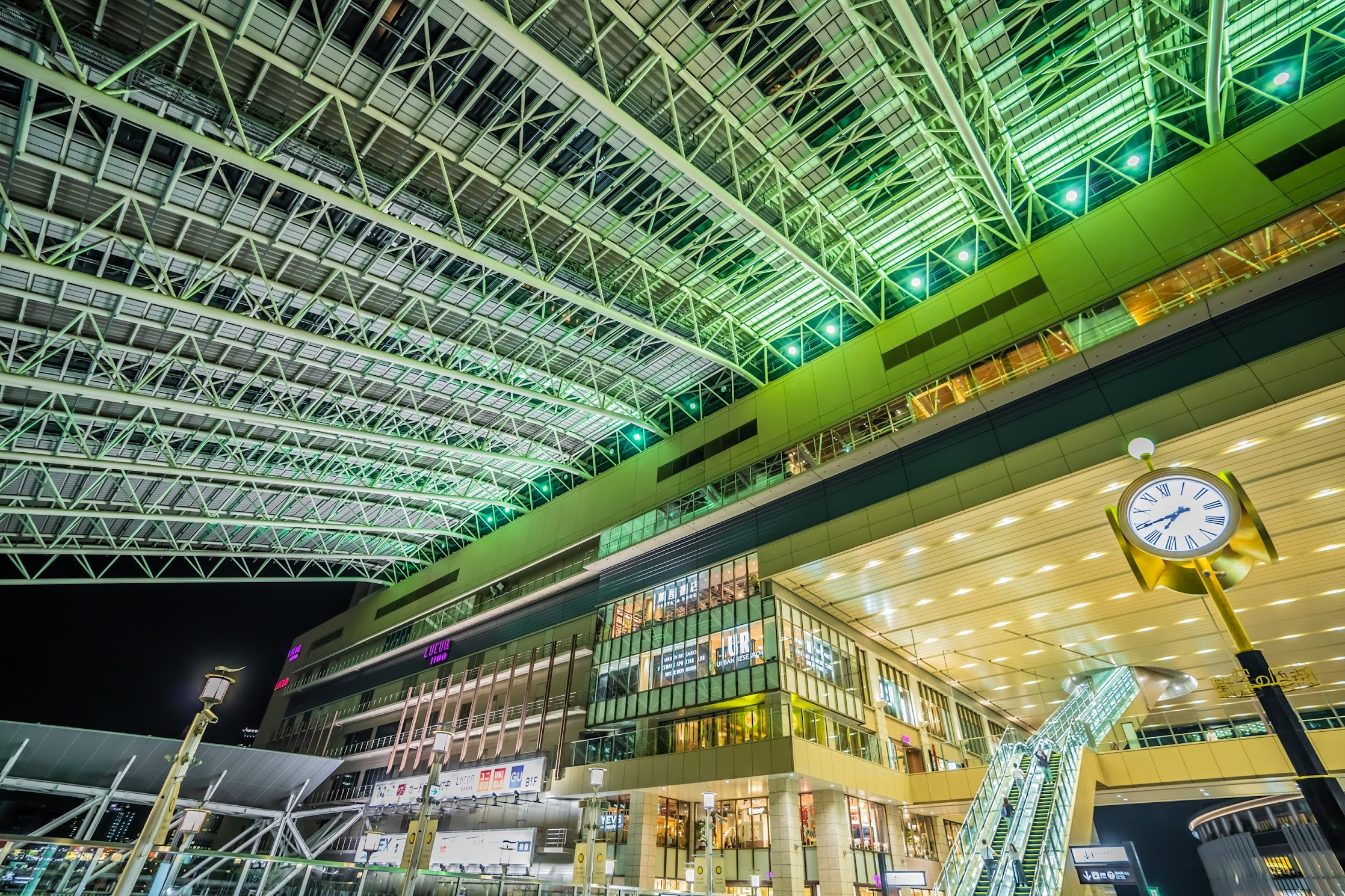 Osaka station Toki-no-hiroba Plaza2